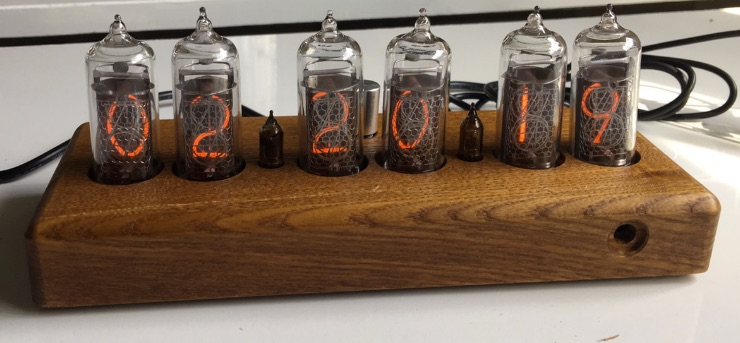 nixie-clock-with-case